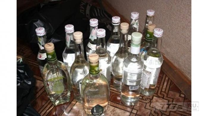 Мужчина умер, выпив три литра водки в конкурсе за приз 10 бутылок водки.