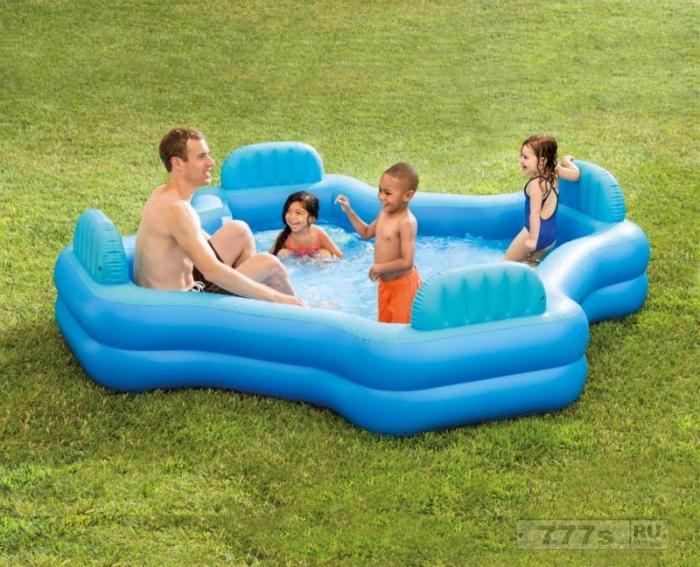 Надувной бассейн для семьи за 30 фунтов стерлингов так хорошо продавался, что уже закончился почти во всех магазинах.