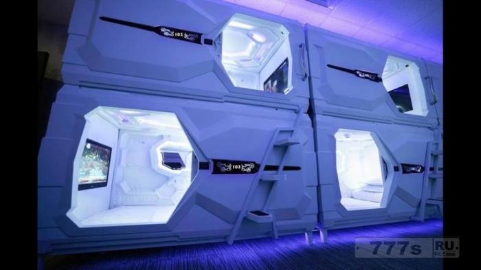 Вы бы сняли гостиничный номер размером с кабину машины?