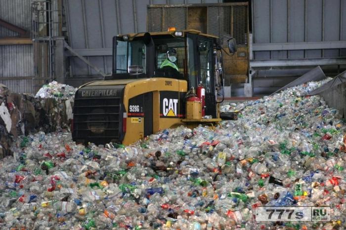 Неспособность перерабатывать пластиковые бутылки может вызвать серьезный глобальный кризис изменением климата.