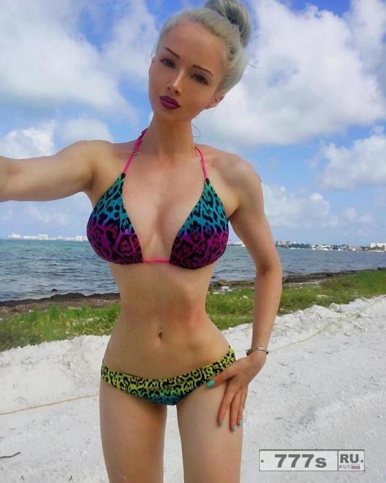 «Украинская Барби», вызвала возмущение, заявив, что она не хочет быть рабыней.