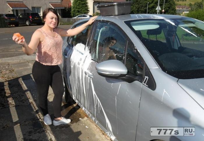 Молодая женщина обвинила полицейских в наплевательском отношении к своим обязанностям.