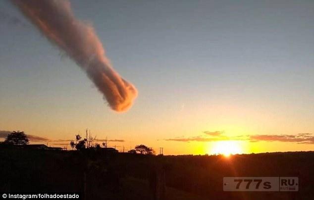Бразильцы думали, что это торнадо нависло над жителями.