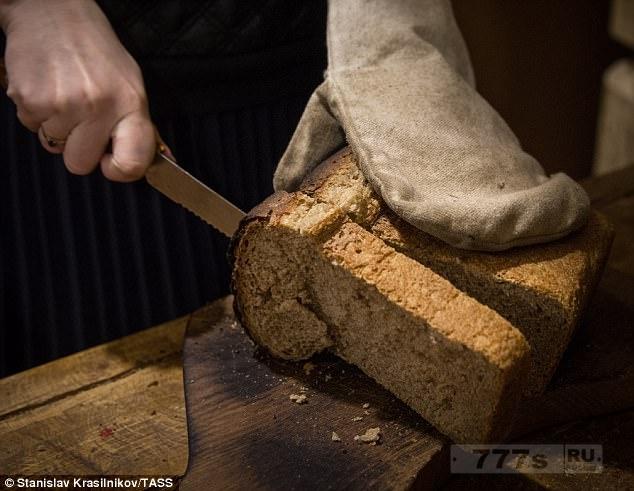 Как правильно резать хлеб (метод используемый в ресторанах и пекарнях).