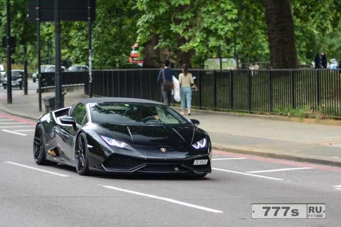 Пропавшая Lamborghini за £ 250 тыс, которую угнали из Швейцарии в Лондон, найдена в транспортном контейнере.
