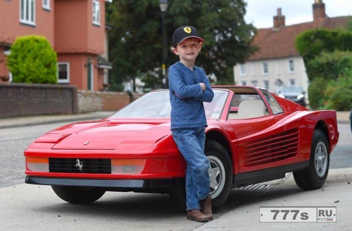Эта Ferrari Testarossa «самый дорогой игрушечный автомобиль в мире».
