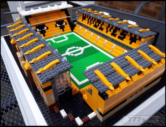 Любитель футбола построил из Lego 66 из 92 английских стадиона.