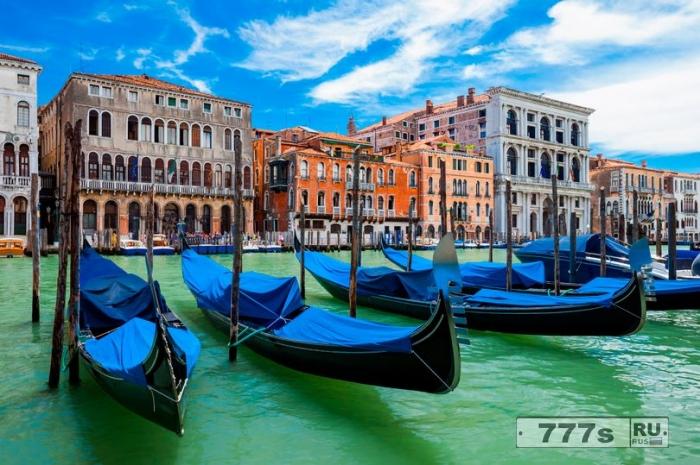 Мэр Венеции заявил, что любой, кто кричит «Аллаху Акбар» в его городе, будет застрелен снайперами.