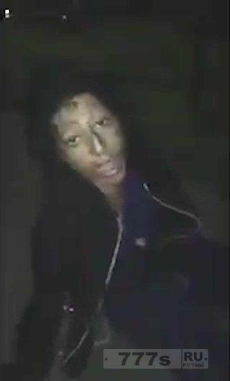 Человек описывает ужасную встречу со «спайсовым зомби» во время прогулки ночью на велосипеде.