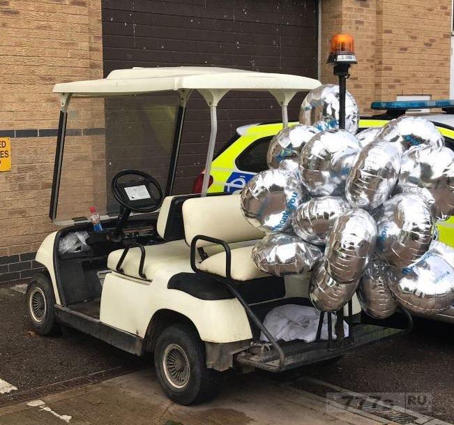«Пьяный водитель взял украденную багги для гольфа» и врезался в Макдональдс.