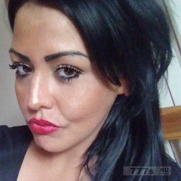 Женщина призналась, что убила человека, толкнув его под движущийся трамвай.