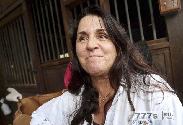 Женщина зафрахтовала самолет, чтобы спасти 300 кошек и собак от урагана Мария.