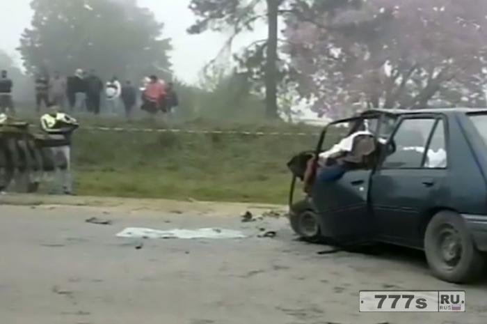 Братья-полицейские были вызваны на автокатастрофу, когда они разобрали обломки, то обнаружили своих бабушку и дедушку.