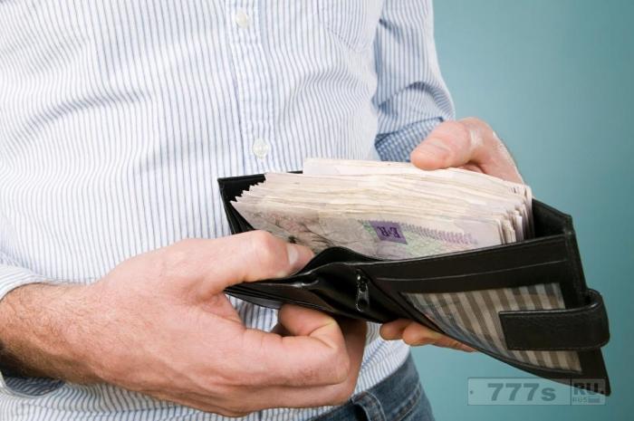 Миллионеры делятся гениальными советами о том, как можно накопить наличные деньги.