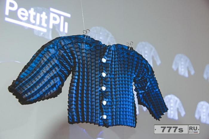 Изобретатель из Британии создает одежду, растущую одновременно с малышами.