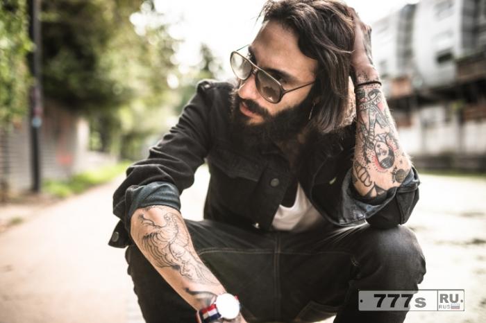 У женщин есть тип, и это татуированные мужчины, подтверждают исследования.