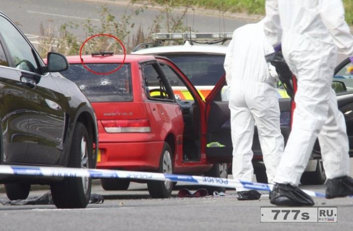 Мужчина умер, когда «полицейский выстрелил до десяти раз по машине»