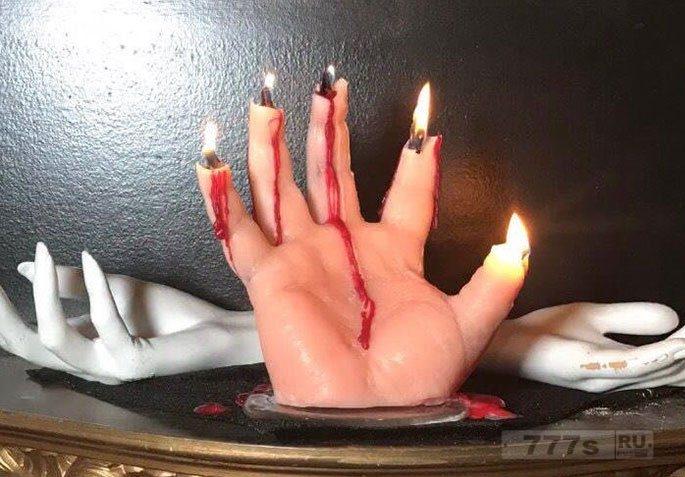 У этих ужасных свечей для Хэллоуина проявляется ужасный сюрприз, когда вы их сжигаете.
