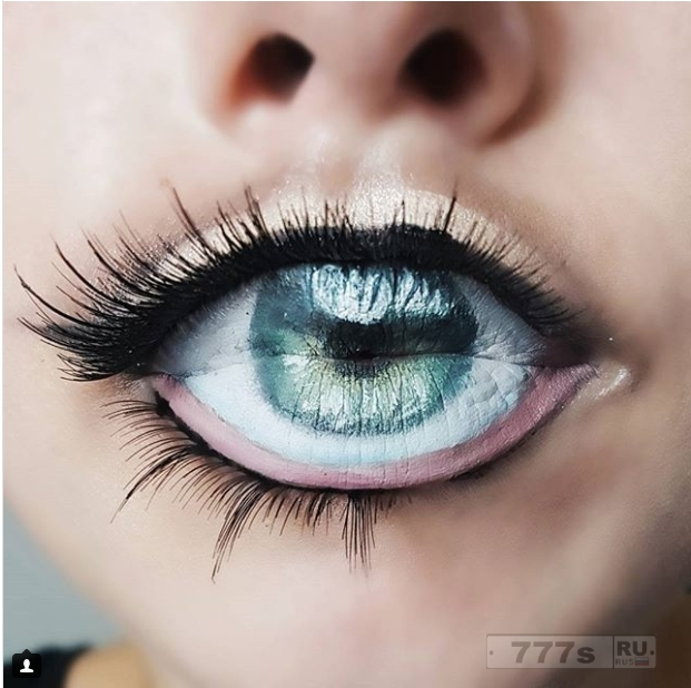 Любители макияжа превращают свои губы в ГЛАЗА на Хэллоуин.