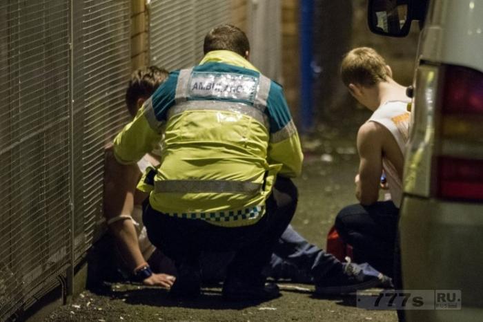 Пьяницы, использующие машины скорой помощи в качестве бесплатных такси.