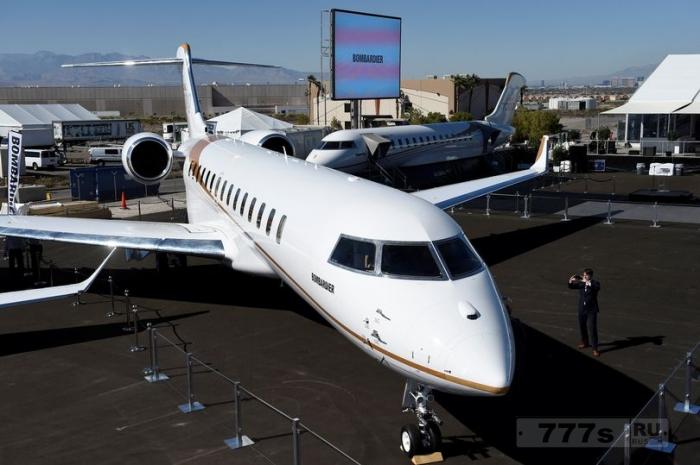 Внутри самого большого частного самолета в комплекте с четырьмя роскошными жилыми зонами.