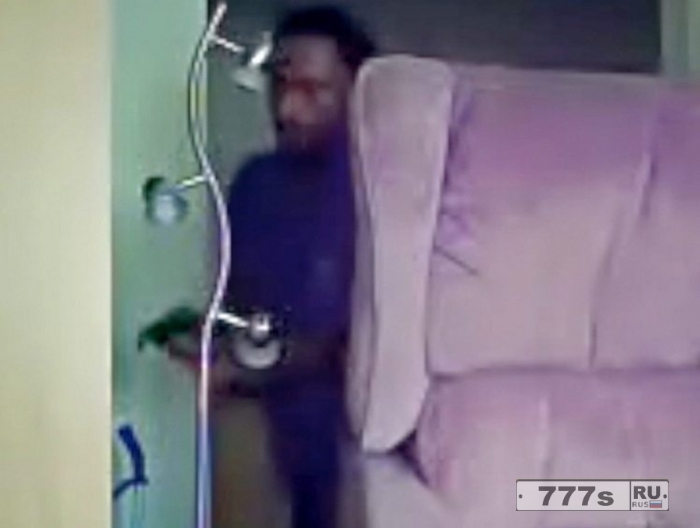 Женщина установила скрытую камеру, чтобы поймать опекуна, похищающего деньги у ее сестры инвалида.