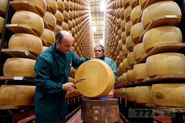 Итальянский сырный банк