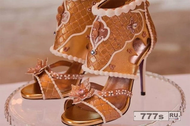 Самая дорогая пара туфель стоит пятнадцать миллионов долларов