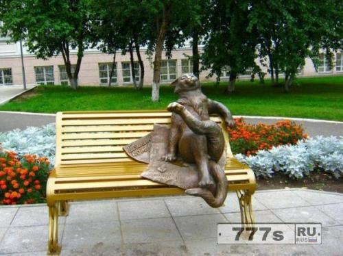 Необычные российские памятники