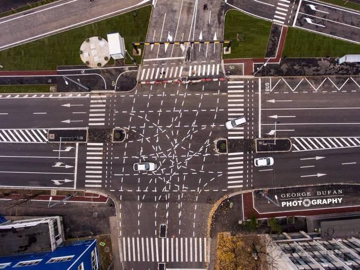 Необычный перекресток в Румынии