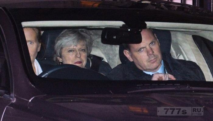 Лидеры ЕС готовятся к полному краху правительства Терезы Май