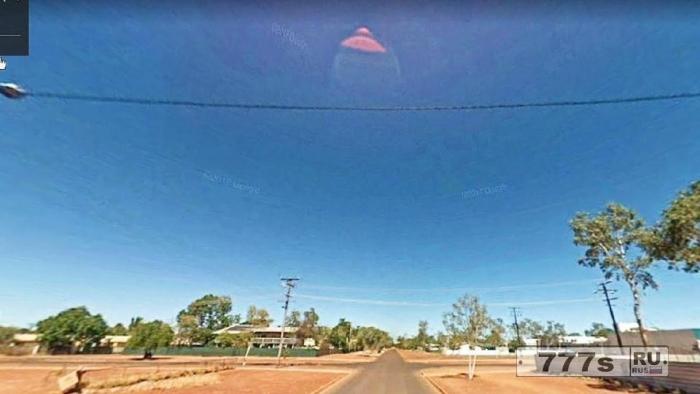 Охотники за НЛО в бешенстве из-за причудливого космического корабля, который выглядит как сиська на Гугл Картах.