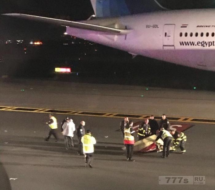 Самолет авиакомпании Virgin потерял часть крыла на взлетной полосе