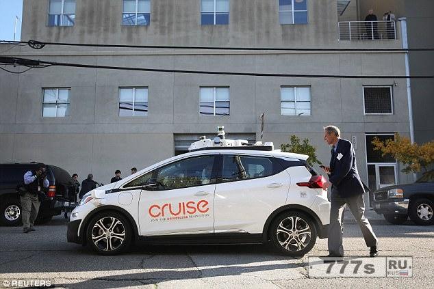 GM будет развертывать свою службу такси без водителя в 2019 году, на два года опережая своего соперника Ford