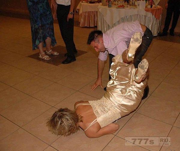 Эти фотографии со свадебными неудачами заставят вас смеяться вслух