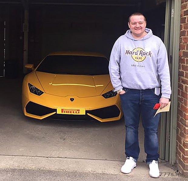 Бухгалтер украл £ 2,5 млн у автосалона и стал покупать дорогие автомобили и дома