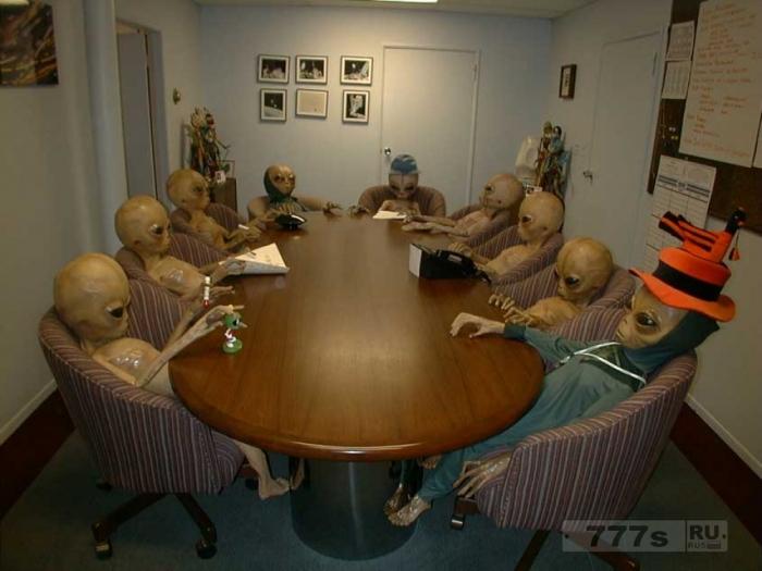 Инопланетяне идут: Брайан Кокс говорит, очень большой шанс, что мы близки к обнаружению пришельцев.