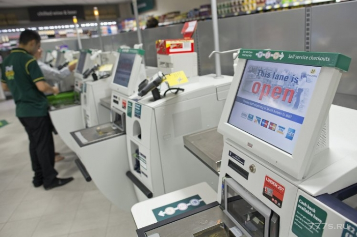 Каждый четвертый покупатель крадет товары из супермаркетов незаметно вынося их через самообслуживание