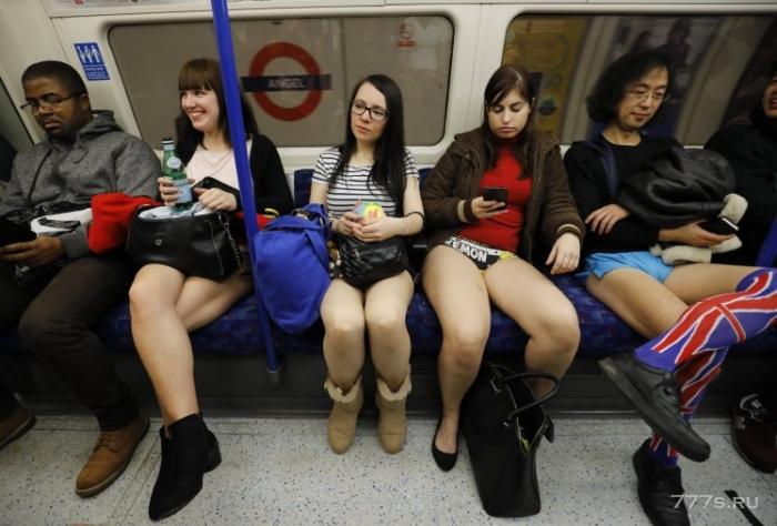 Не тревожьтесь, если вы увидите в метро людей без штанов в эти выходные