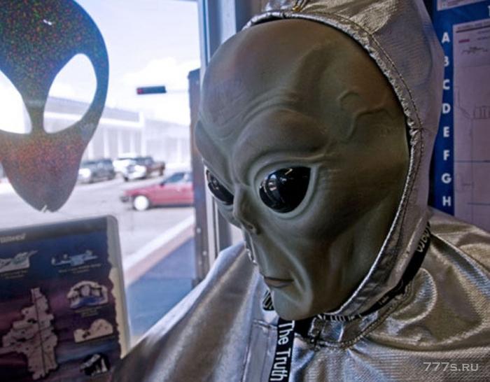 ЦРУ рассказало охотникам за пришельцами, как фотографировать НЛО, раскрывать секретные документы