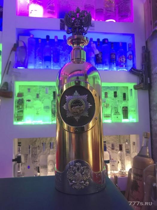 Загадка исчезнувшей бутылки водки стоимостью более 960 000 фунтов стерлингов