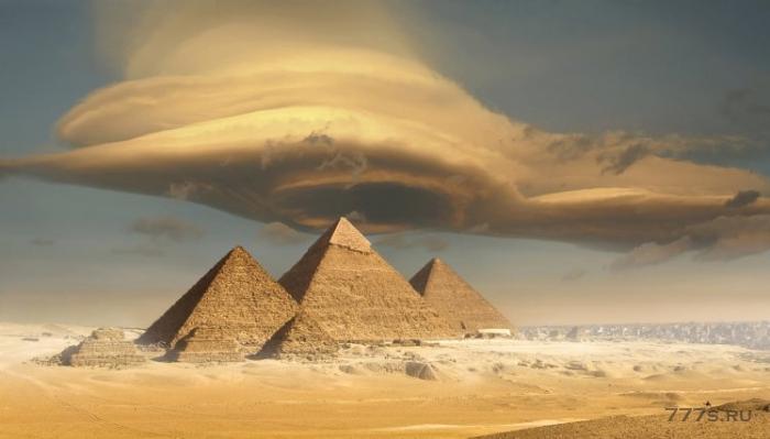 «Трон пришельцев», сделанный из металла, может быть скрыт внутри Великой пирамиды
