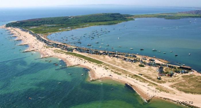 Самый дорогой пляжный домик в Великобритании продается по рекордной цене, несмотря на отсутствие туалета или проточной воды