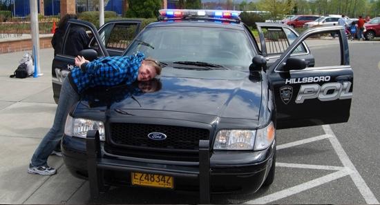 На полицейских Америки нельзя пердеть