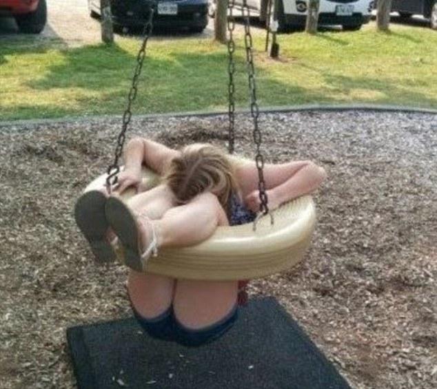 На фотографиях становится понятно, что происходит, когда взрослые лезут на детские игрушки на площадках