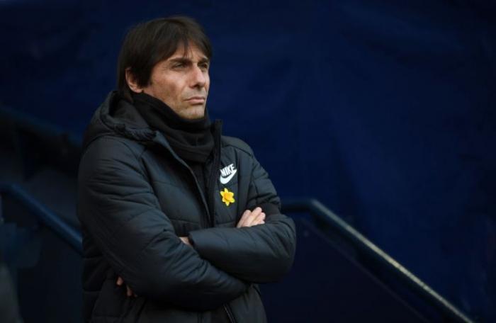 Игроки «Челси» считают, что Антонио Конте намеренно все делает так, чтобы его уволили  (слухи)