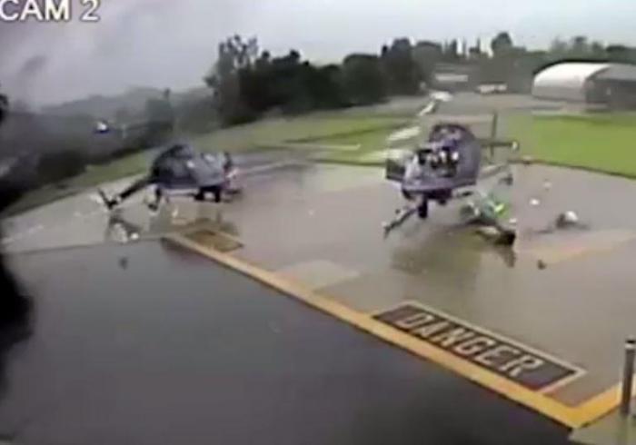 Шокирующий момент два вертолета в хлам, когда их винты сталкиваются
