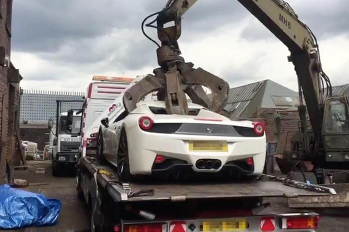 Душеразрушающий момент Ferrari 458 Spider стоимостью £ 200 000 «ошибочно» была утилизирована полицией - владелец миллионер обещает подать в суд на полицейских
