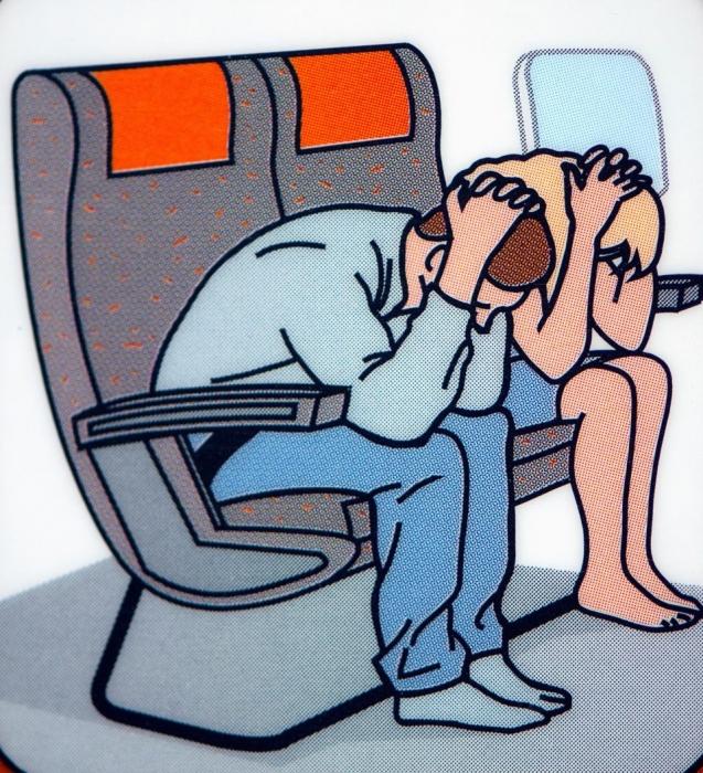 Выполнение положения скобы при авиакатастрофе НЕПРАВИЛЬНО и может сильно повредить вам