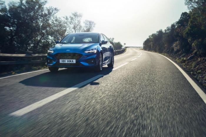 Вот и появился новый Ford Focus в Британии, любимый семейный автомобиль.